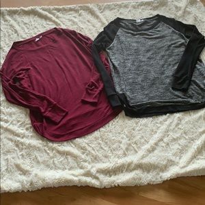 Set of 2 light material GAP sweaters
